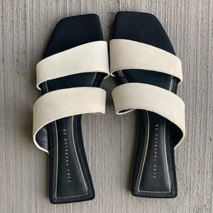 FLAT SPLIT LEATHER SANDALS
